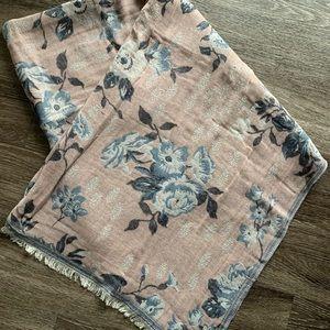 LAST CHANCE! A&F scarf